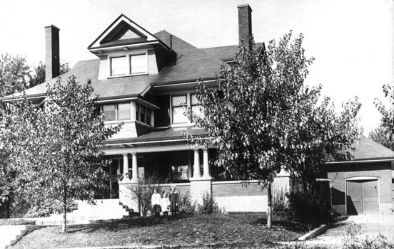 Oldest known photo of John McKenzie House, taken circa 1919.